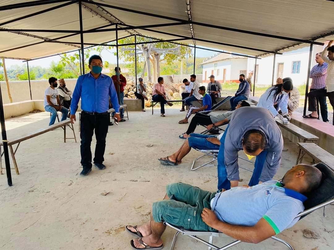 रक्तदान बिशेष अभियानः अनेरास्ववियूको पहलमा एकैदिन ५२ जनाद्वारा रक्तदान